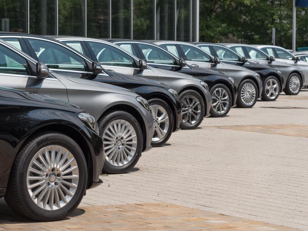 Car registration data reveals aging fleet